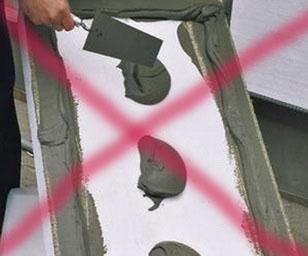 Правильное приклеивание пенопласта на стене