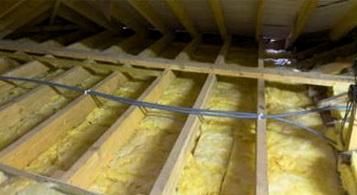 Теплоизоляцию потолка эффективней проводить сплошным слоем