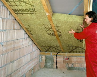 Как делается утепление крыши с помощью минеральной ваты