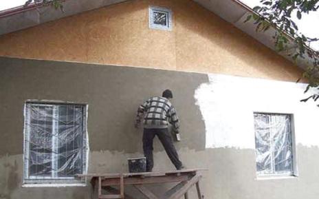 Стену утепляют пенопластом