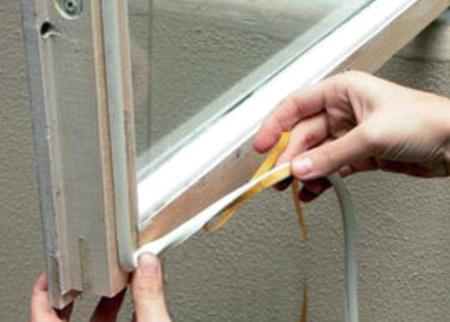 Уплотнение рам и луток - основа утепления дома