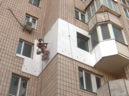 Утепление стен с помощью пенопласта