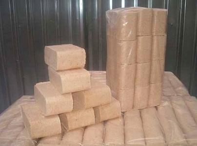 Топливные брикеты в упаковках для продажи
