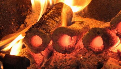 Топливные брикеты горят потихонечку