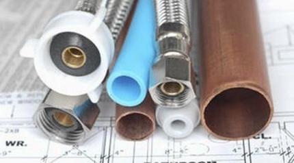 Различные трубы позволяют создать эффективное отопление в доме