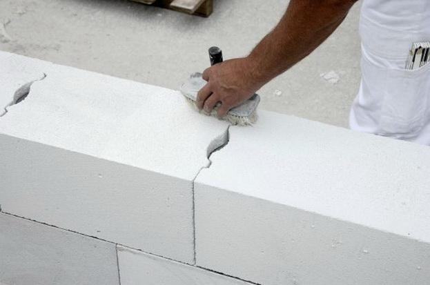 Утепление стен из газобетона — когда требуется и как сделать