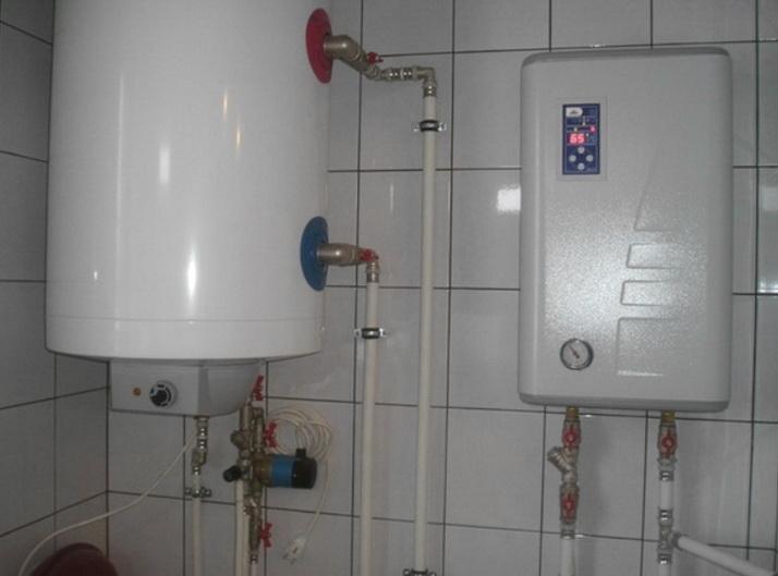 Электрокотел часто устанавливают с буферной емкостью и бойлерами