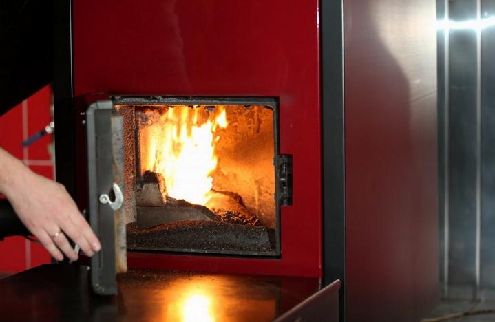 Как топить дровами