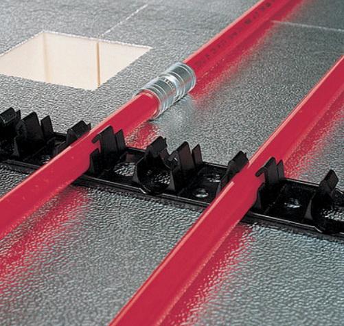 Как производится крепление трубопровода