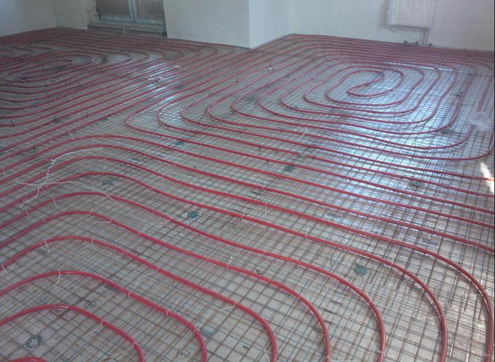 Укладка трубопровода петлями на полу