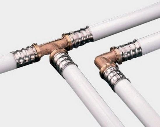 Трубопровод смонтирован с помощью опресссования