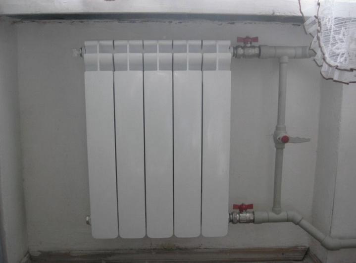Установленный радиатор готов к эксплуатации