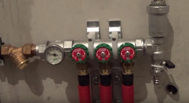 Конвектора подключаются к коллектору при лучевой схеме