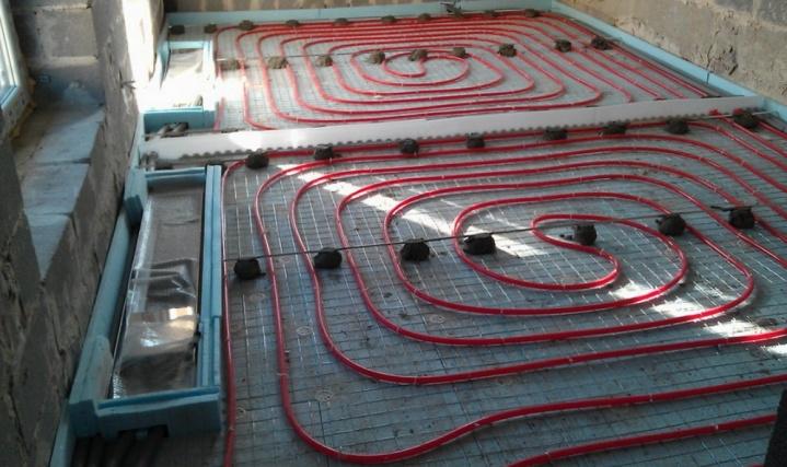Теплый пол и конвектора возле высоких окон - монтаж