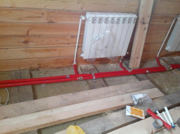 Прокладка трубопровода в полу, подключение радиатора снизу