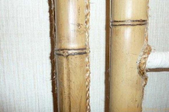Бамбуком прячут трубы