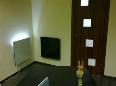 Керамические обогреватели на стене