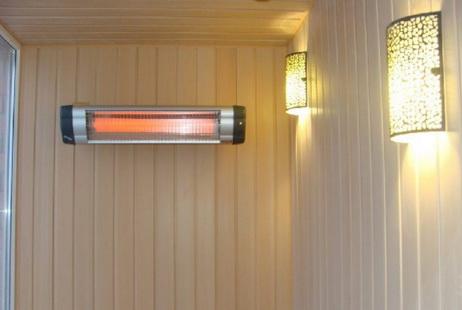 Инфракрасный излучатель на стене