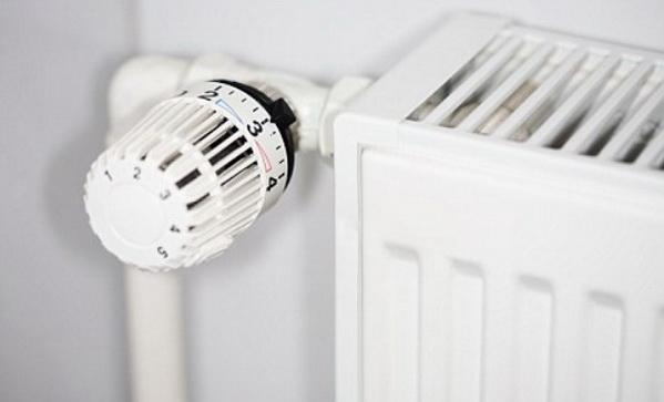 Термоголовка установленная на радиаторе