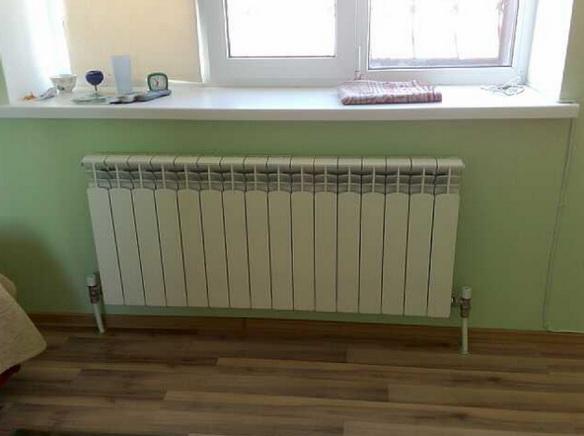 В квартире может быть радиатор с нижним подключением