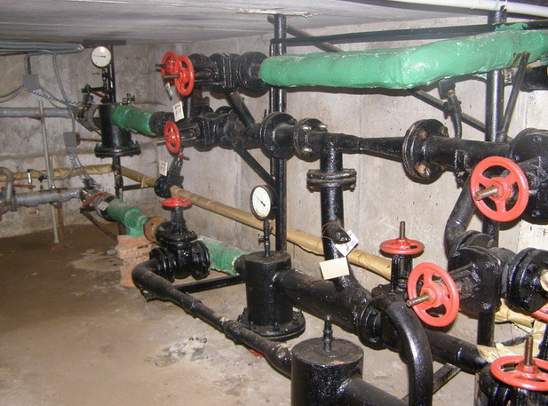 Сложная схема отопление в подвале дома