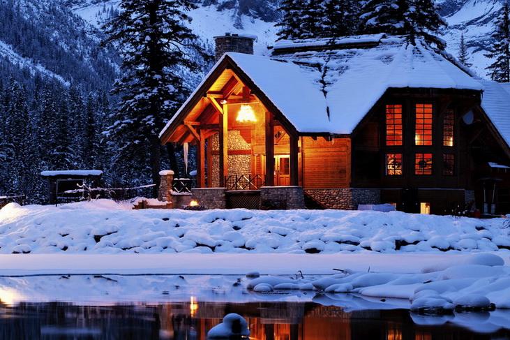 Утепленный дом в холодное время