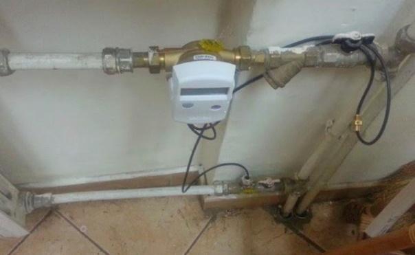 врезка теплосчетчика на каждый радиатор