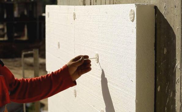 Пенопласт на стене - крепление
